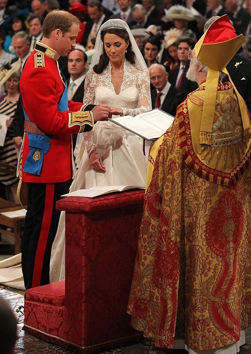 Royal-Wedding-William-and-Kate-prince-william-and-kate-middleton-21528770-634-924