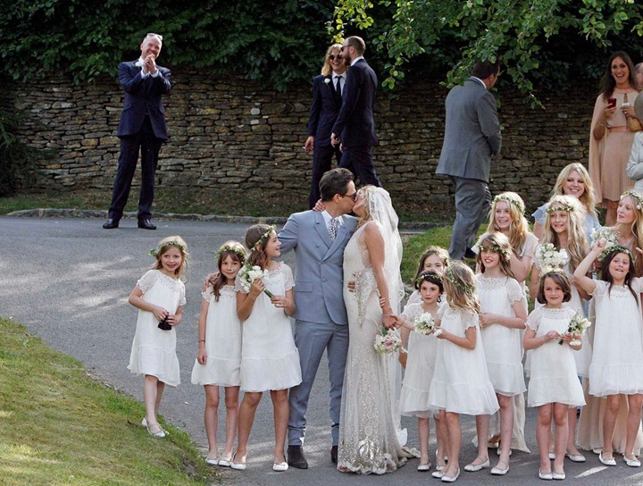 kate-moss-jamie-hince-wedding-04
