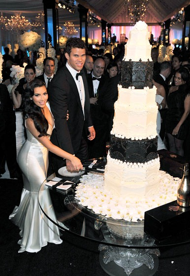 kim-kardashian-and-kris-humphries-wedding-cake