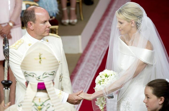 prince-albert-charlene-wittstock-religious-ceremony-royal-wedding-04