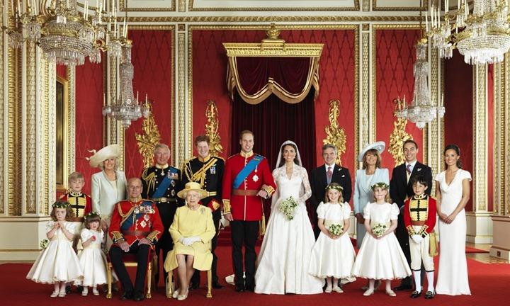 prince-william-kate-middleton-official-wedding-photos-03