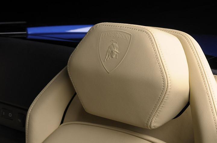 Lamborghini-Gallardo-LP-550-2-10