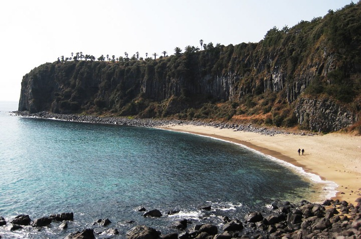 Jeju-a-lovely-beach