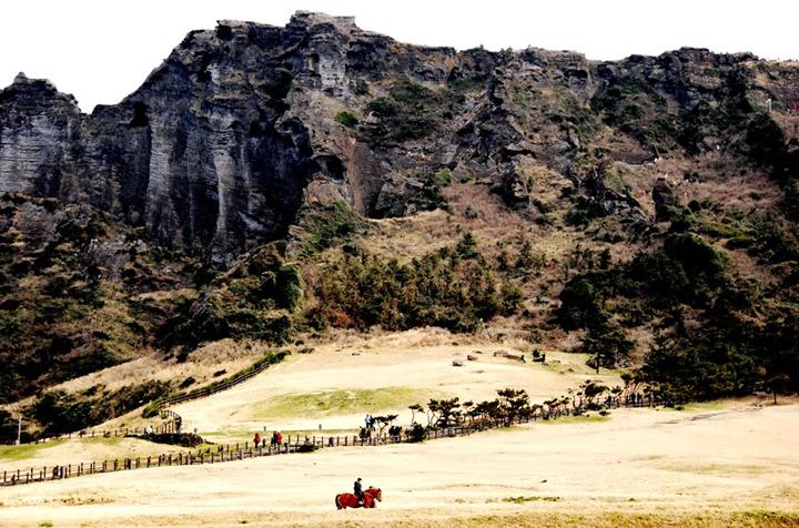 Korea-Jejudo-Cliff