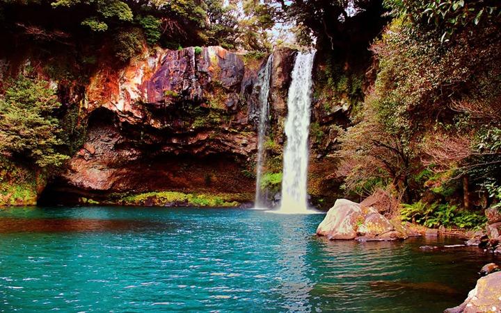 Waterfall-on-Jeju-Island-Korea