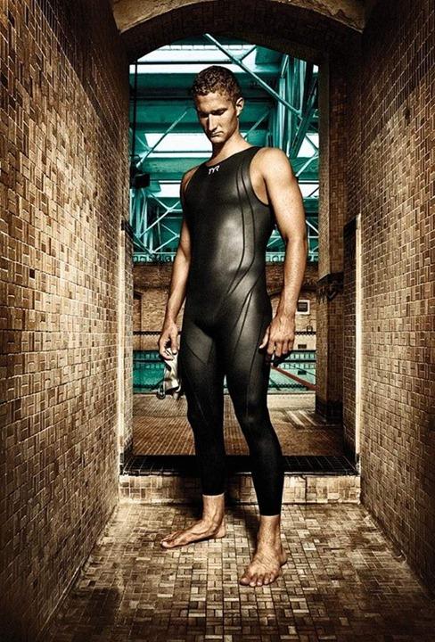 job-hall-swimming-and-running33