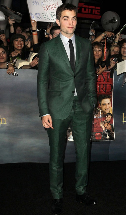 the_end_is_not_near_its_here_twilight_breaking_dawn_pt_2_premiere (1)