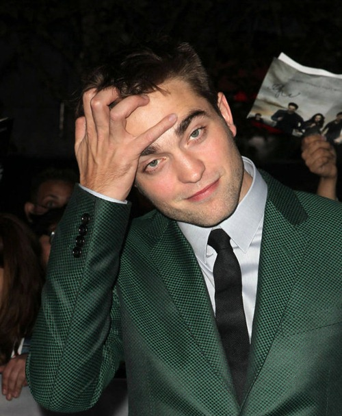the_end_is_not_near_its_here_twilight_breaking_dawn_pt_2_premiere (2)