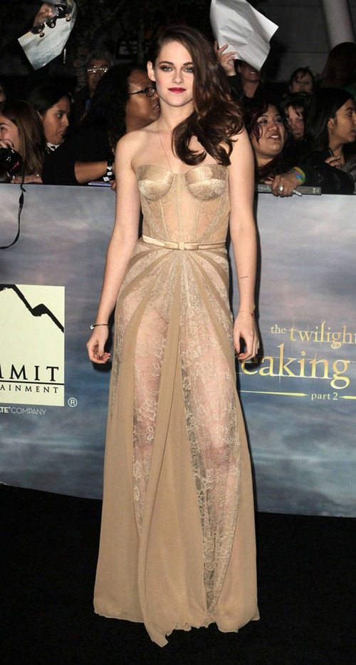 the_end_is_not_near_its_here_twilight_breaking_dawn_pt_2_premiere
