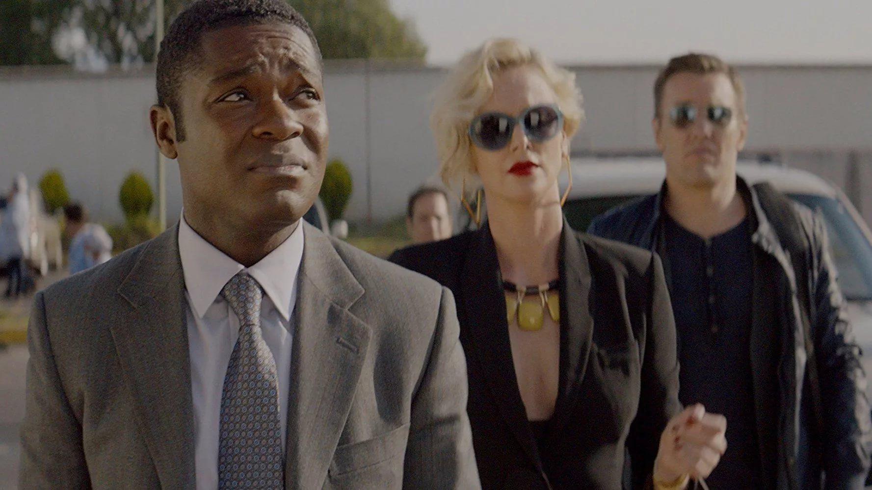 """Комедия """"Опасный бизнес"""": Шарлиз Терон и другие в первом трейлере!"""