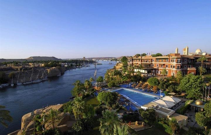 Вид из номеров  Отель Old Cataract Hotel в египетском городе Асуан расположен на вершине холма, с которого Нил виден как на ладони.