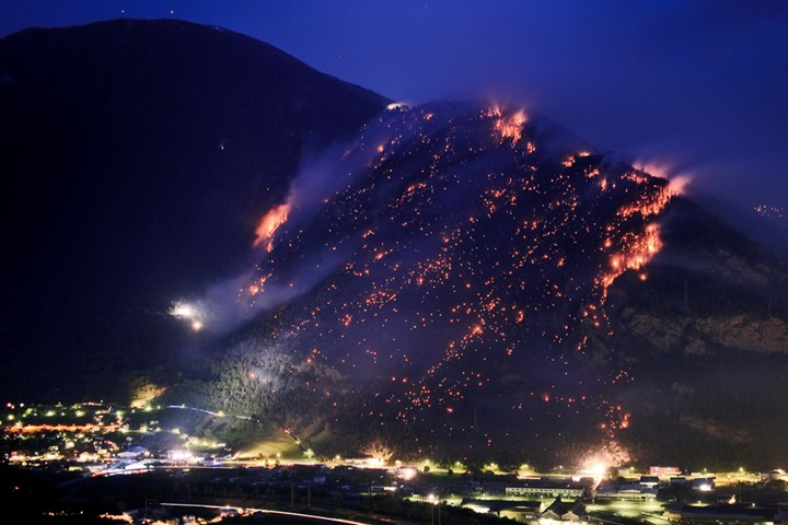 TOPSHOTS-SWITZERLAND-DROUGHT-FIRE
