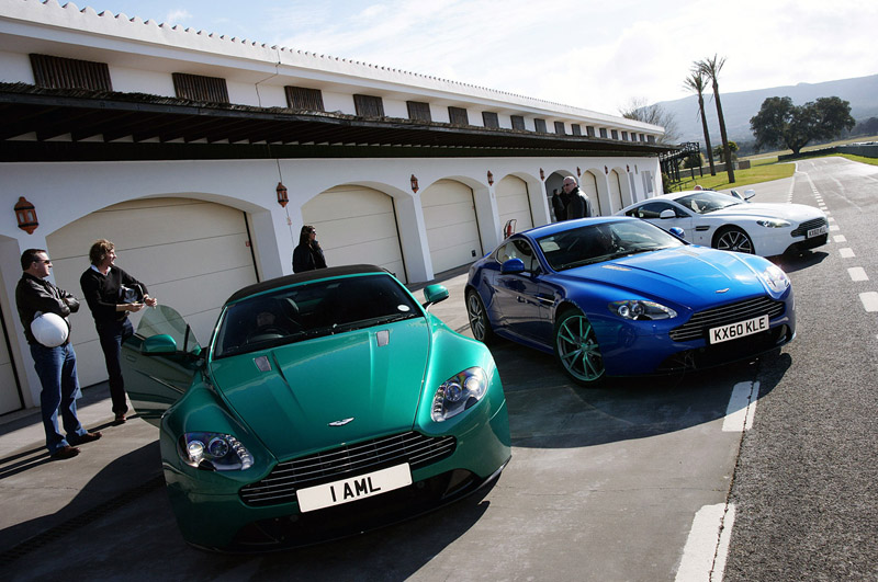 Новый Aston Martin V8 Vantage S 2011 года выпуска