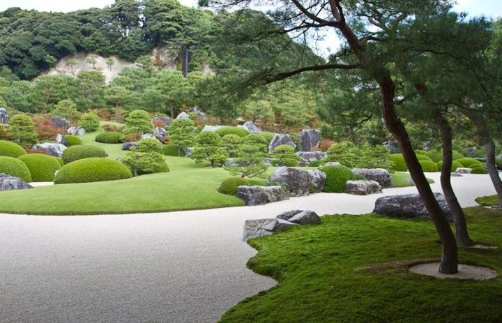 Адачи всю жизнь увлекался живописью и ландшафтным дизайном... В итоге это увлечение превратилось в сад 165 000 кв.м.