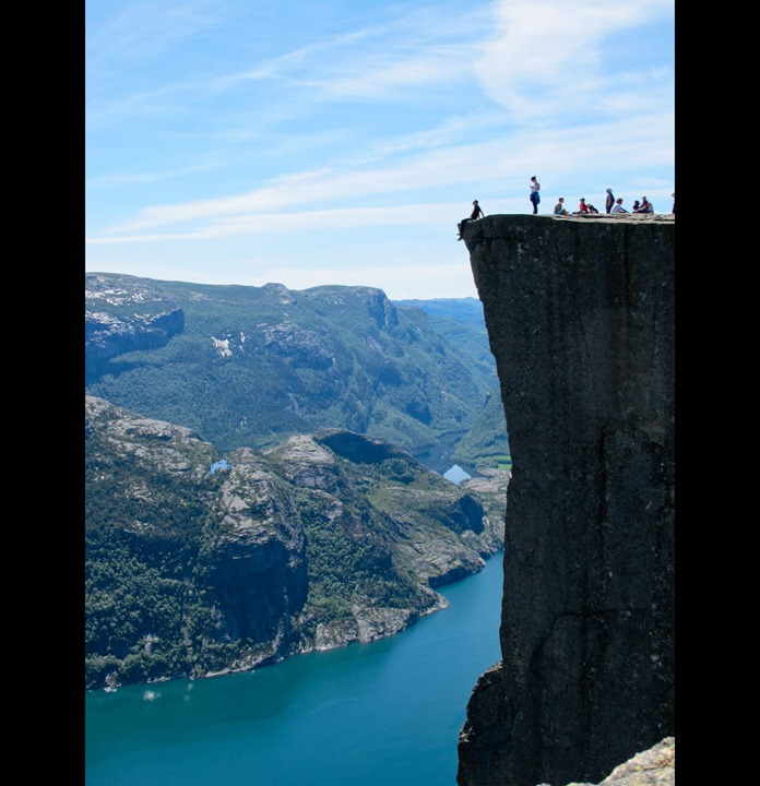 Cliff-of-Norway-Preikestolen-The-Preachers-Pulpit