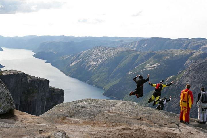 Kjerag-BASE-jumping-Norway