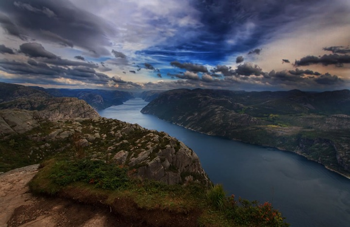 Top-of-the-world-near-pulpit-norway