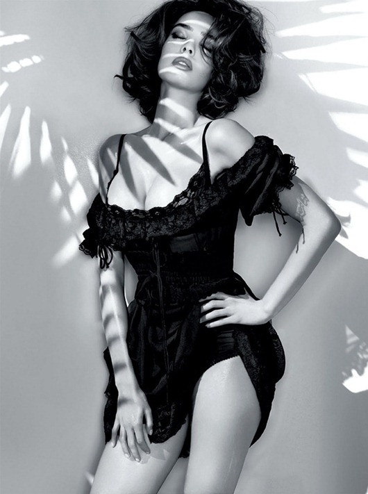 Guess_By_Marciano_SS_2011_Ad_Campaign_1