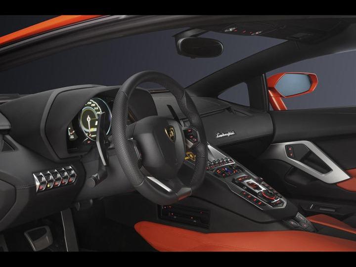 005-2012-lamborghini-aventador-lp-700-4-steering-wheel-1280x960_w800