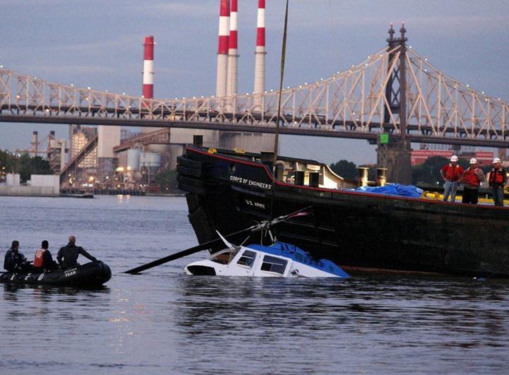 CRASH NEWYORK/HELICOPTER