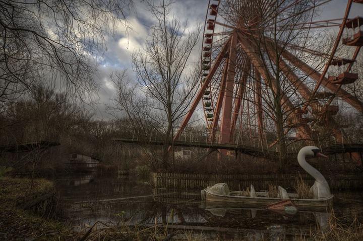 Abandoned-amusement-park