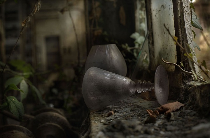 Abandoned-glass-factory-part-of-the-European-Trespassers-Tour-2012-2