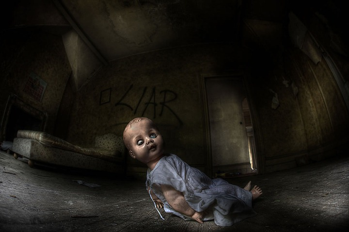 Demon-child-run-for-it-Abandoned-and-decaying-asylum-for-the-criminally-insane