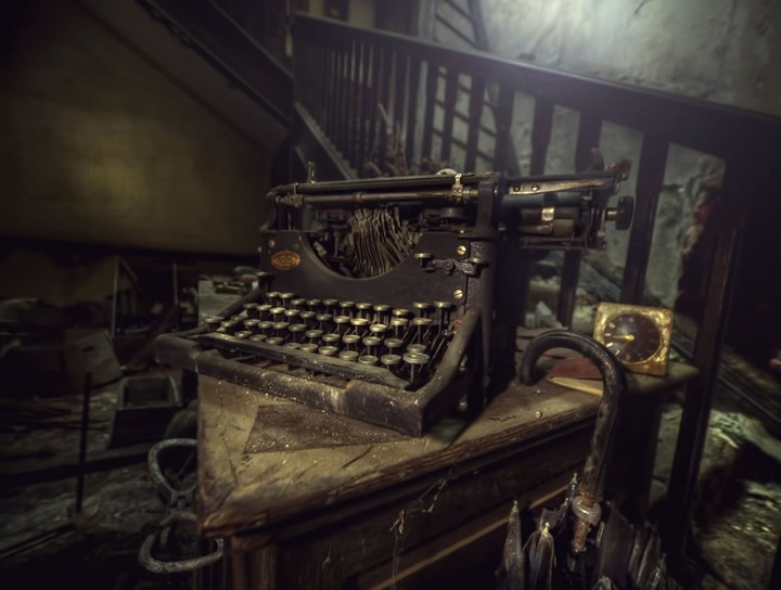 I-was-once-a-poet-old-typewriter-found-at-abandoned-manor-house