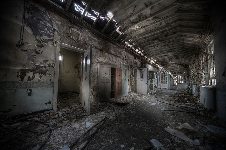 segregation-ward-at-Abandoned-sanatorium-W