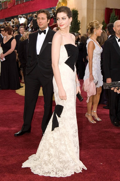 Academy Award presenter Anne Hathaway arrives at the 79th Annual Academy Awards at the Kodak Theatre in Hollywood, CA, on Sunday, February 25, 2007.