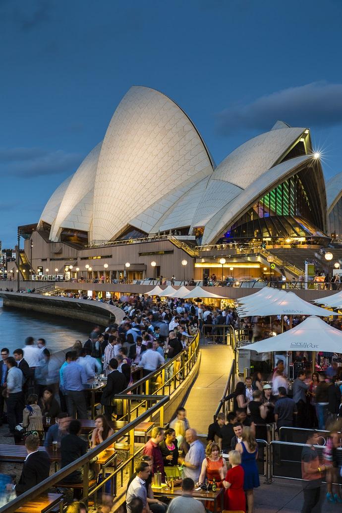 Sydney Opera House & Opera Bar at dusk