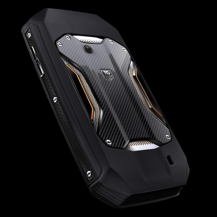 TAG-Heuer-RACER-Smartphone-1