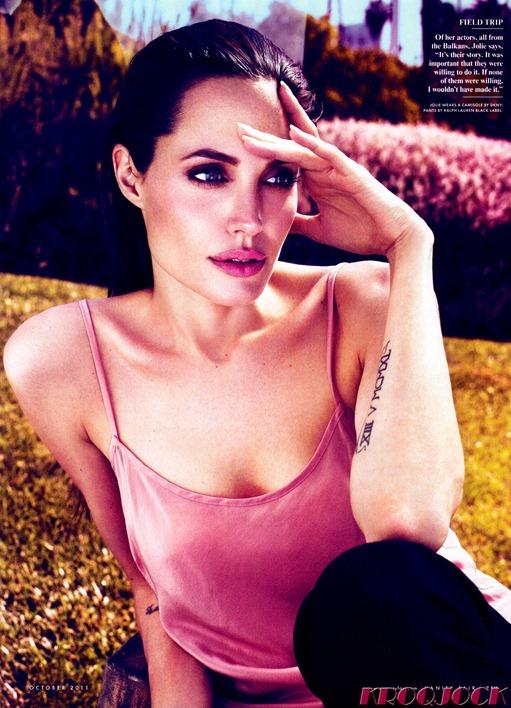 Celebutopia_NET.Angelina_Jolie.VANITY_FAIR.October_2011.Scanned_by_KROQJOCK.HQ_.6