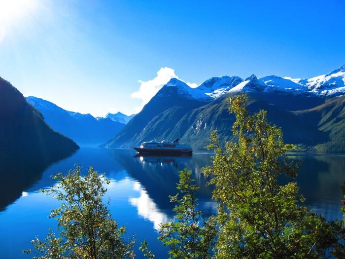 Hjorundfjord