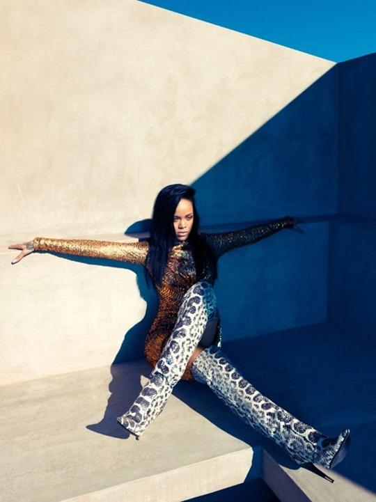 Rihanna-2012-4