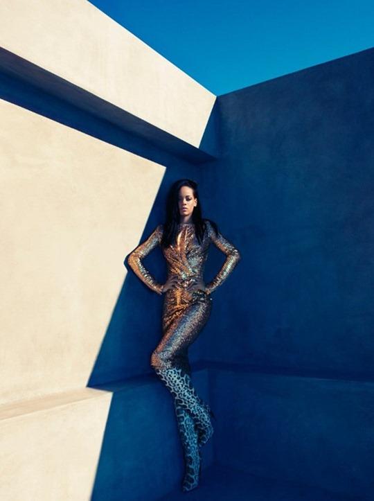 Rihanna-Bazaar-US-2