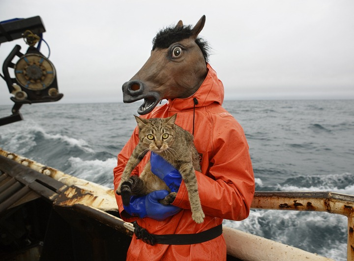 4427_Kitty_and_Horse_Fisherman(c)Corey_Arnold