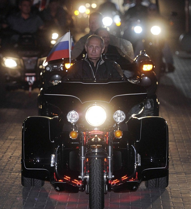 RUSSIA-PUTIN-BIKERS/