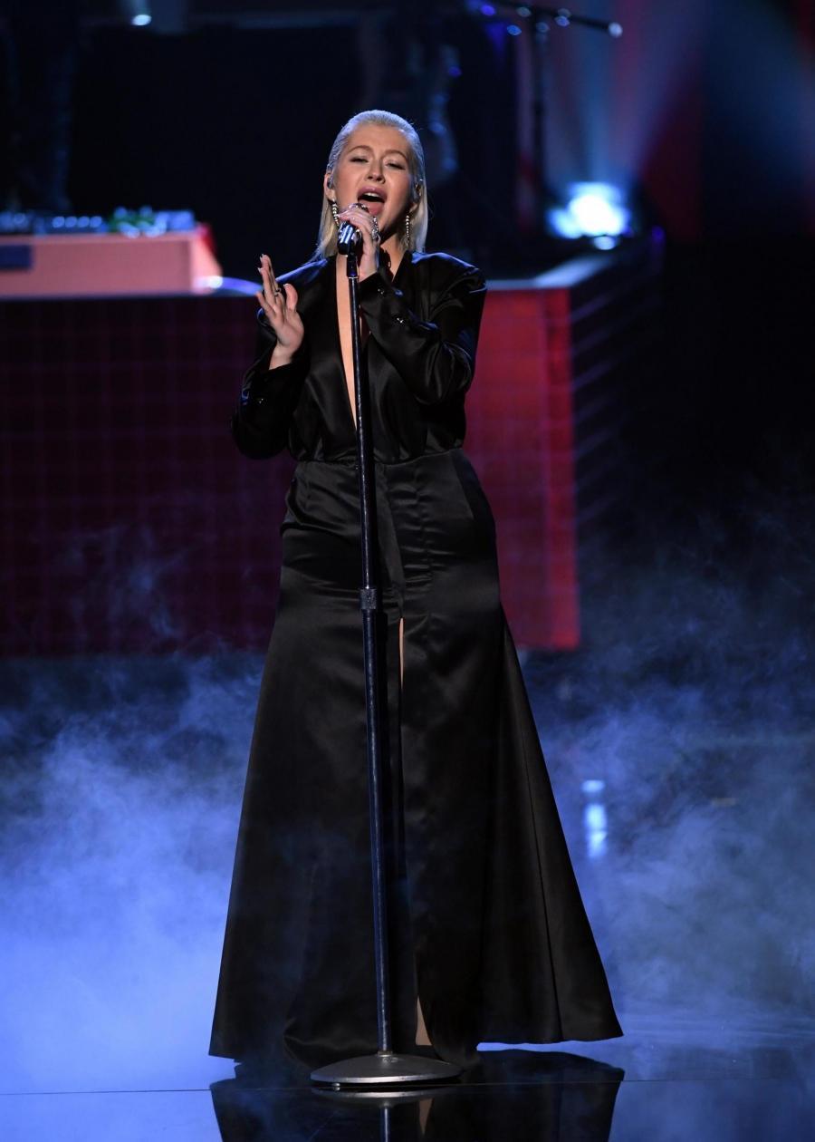 Триумфальное выступление Кристины Агилеры на AMAs 2017!