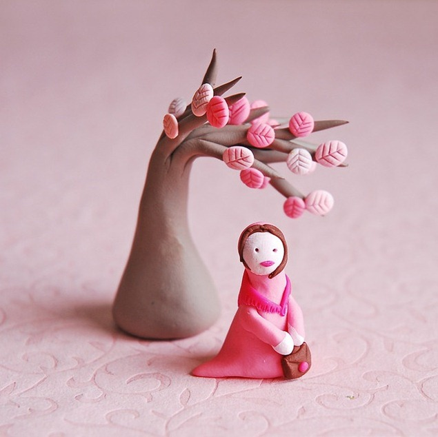 clay-woman-with-clay-tree