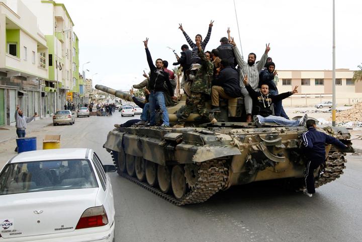 Ливия: ООН наносит удар с воздуха для помощи мятежникам