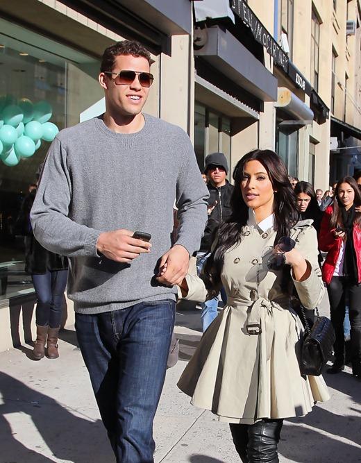 Kim-Kardashian-and-Kris-Humphries-6-799x1024