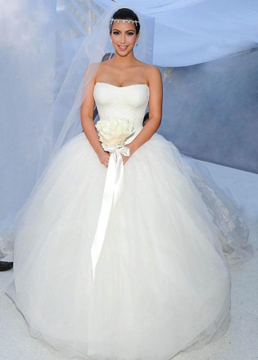 Kim-Kardashian-and-Kris-Humphries-Wedding-Photos-06