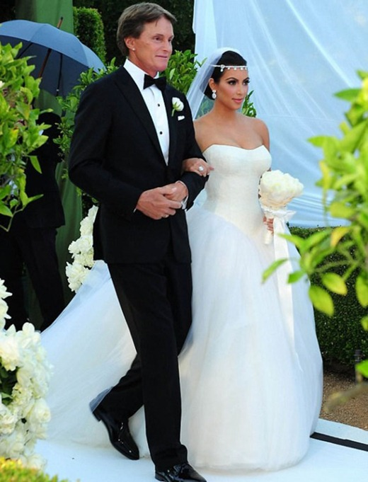 Kim-Kardashian-and-Kris-Humphries-Wedding-Photos-12