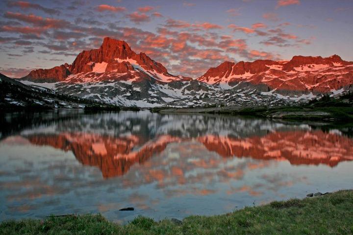 Banner_Peak_and_Thousand_Island_Lake_Ansel_Adams_Wilderness_California_02