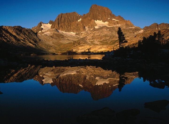 Ritter_Range_and_Garnet_Lake_Ansel_Adams_Wilderness_California