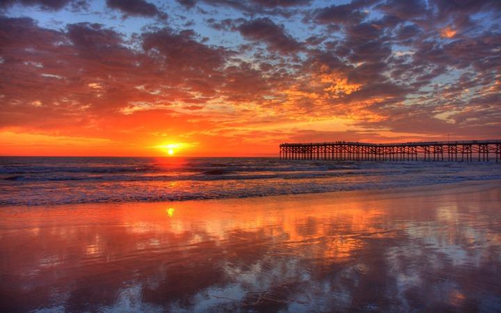 Pacific-beach,-sunset