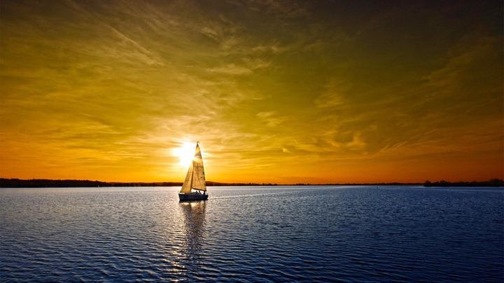 Tallship-at-the-evening