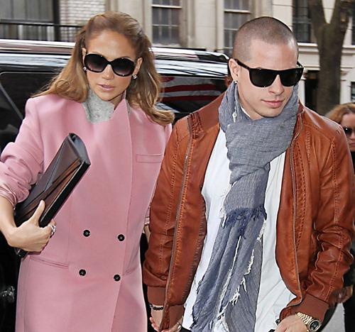 jennifer-lopez-pink-coat-casper-smart-02