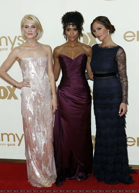 Minka Kelly - 2011 Emmy Awards-05